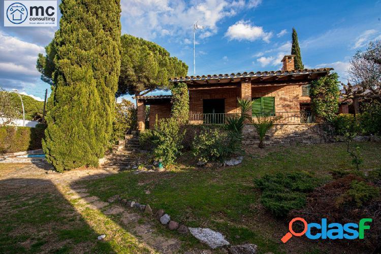 Excel·lent casa amb jardí a la millor zona de la garriga