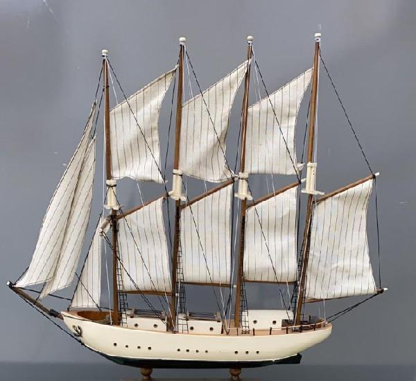 Barco antiguo replica del creoula 60 cms. largo x 52 alto x
