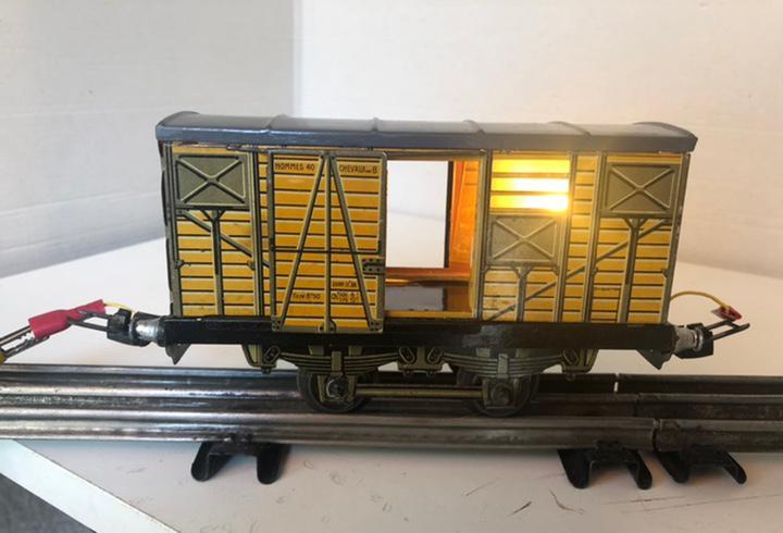 Furgón de jep con luz escala0 vintage