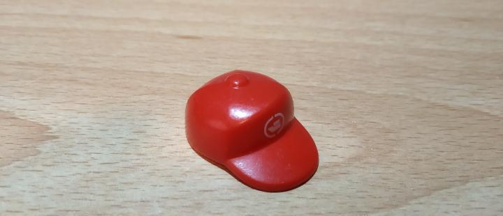 Playmobil gorra roja ropa complemento ciudad