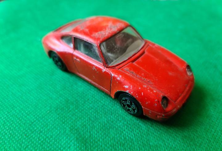 Porsche 911 carrera burago