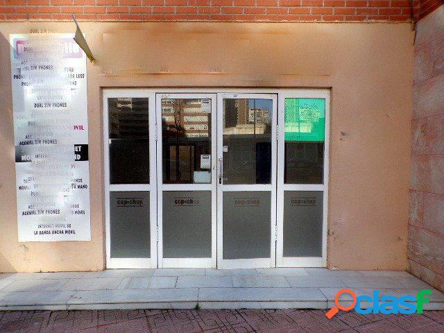 Amplio local comercial con terraza 40 m2 en zona Levante. 1