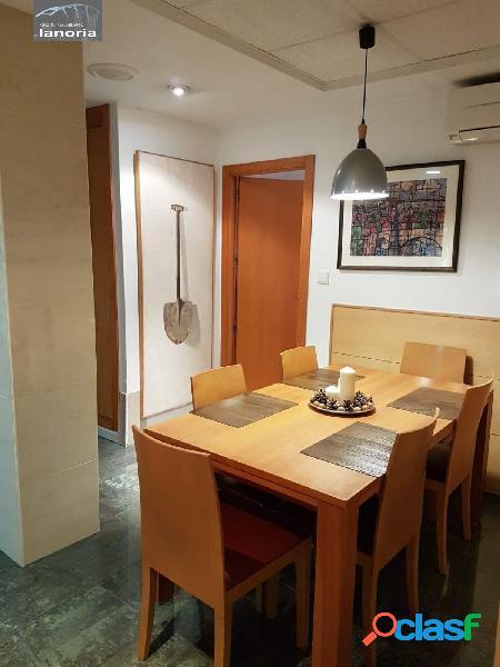 La noria vende piso amplio, zona parque sur, reformado integramente, con garaje incluido en precio