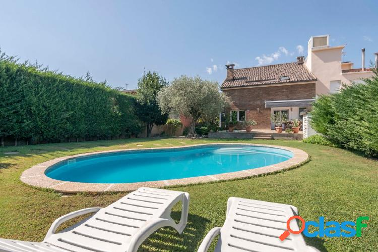 Chalet impecable con piscina