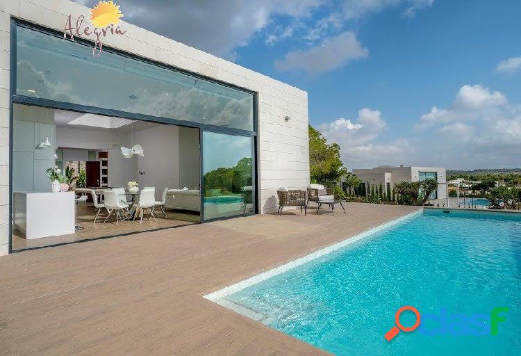 """Villa exclusiva (el lujo de vivir la naturaleza) """"las colinas golf"""""""