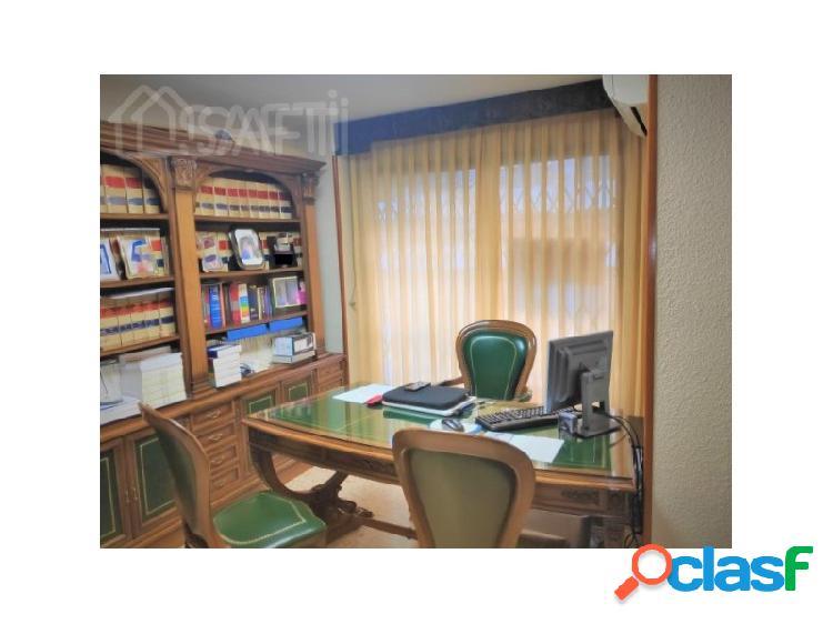 Oficina en perfectas condiciones, equipada en pleno corazón de valencia