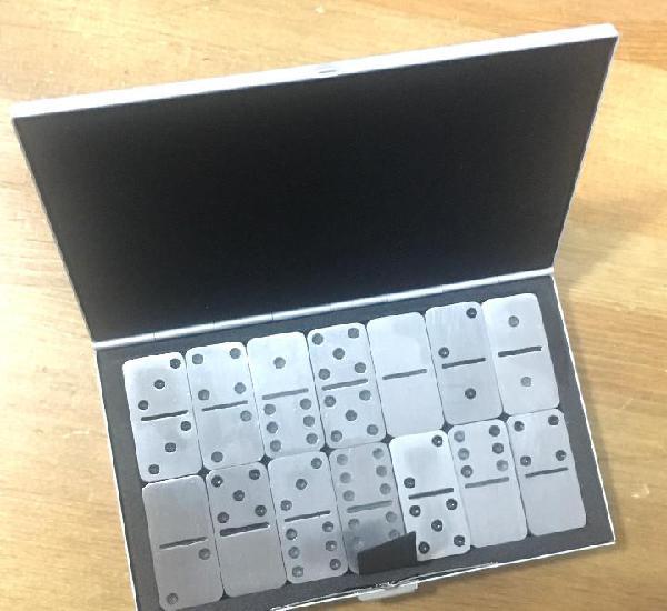 Juego dominó metalizado