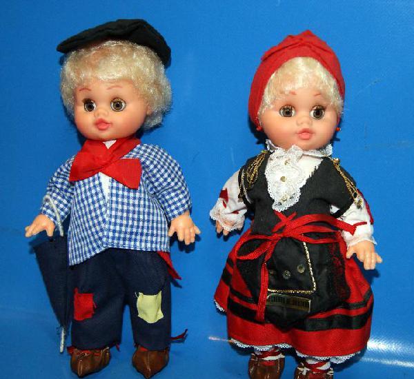 Lote dos muñecas -28 cm-santander. coleccionismo-buen