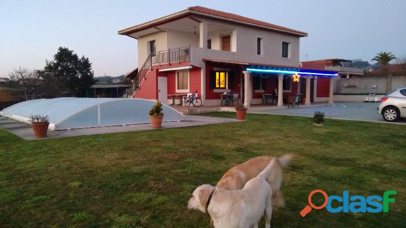 se vende casa chalet con iodos los servicios y bien comunicado,en Betanzos A Coruña