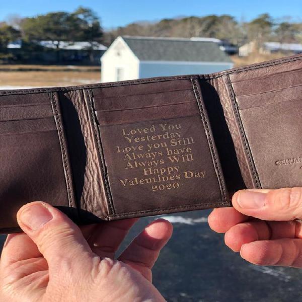 Cuero tri plegable cartera personalizada y caja de regalo de