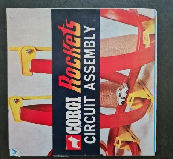 Catalogo publicitario juguetes gorgi rockets 1970. a color.