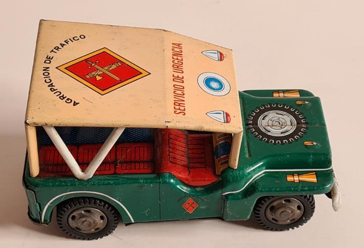 Jeep guardia civil agrupación de tráfico servicio de