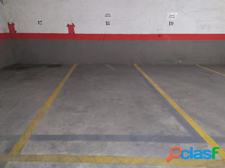 Plaza garaje subterránea cerca de playa Levante y Plaza Triangular. 1