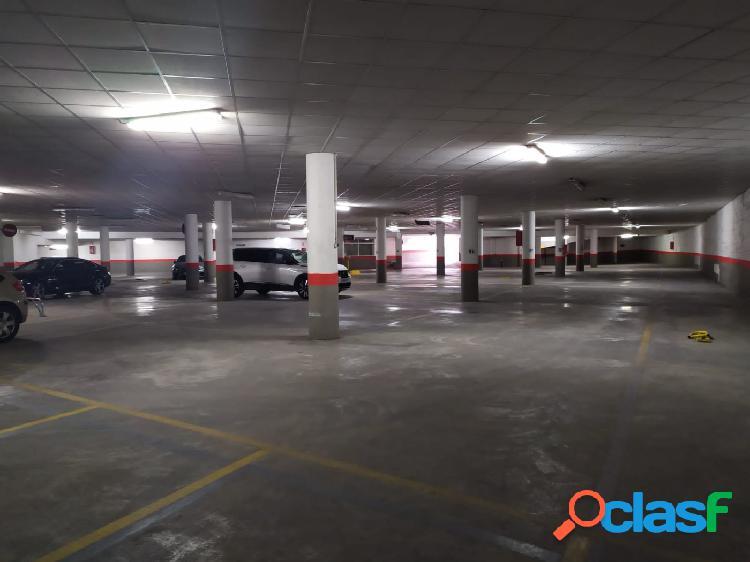 Plaza garaje subterránea cerca de playa Levante y Plaza Triangular. 2