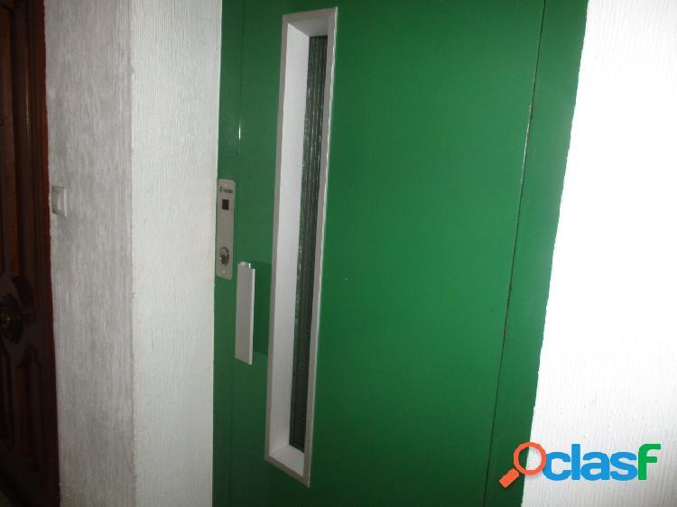 Piso de 3 habitaciones en san blas con ascensor 1