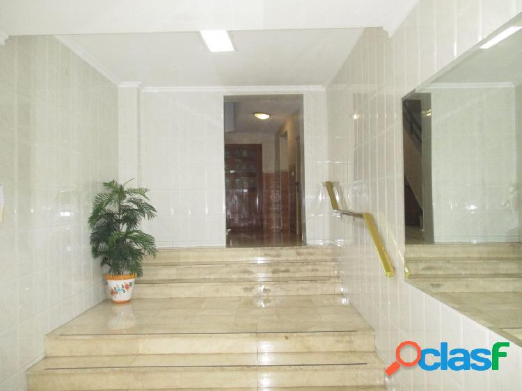 Piso de 3 habitaciones en san blas con ascensor 2