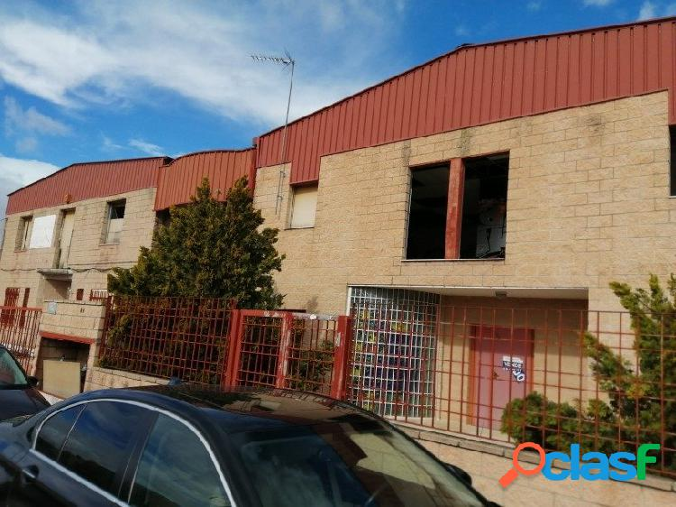 Nave industrial en venta en el barrio de rejas, distrito san blas - canillejas, madrid.