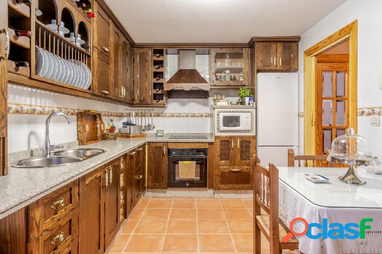 Piso de 3 dormitorios, 2 WC y plaza de garaje en Alfacar! 2