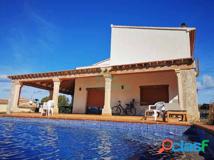 Villa lujo en venta en Gata de Gorgos a un paso de la localidad