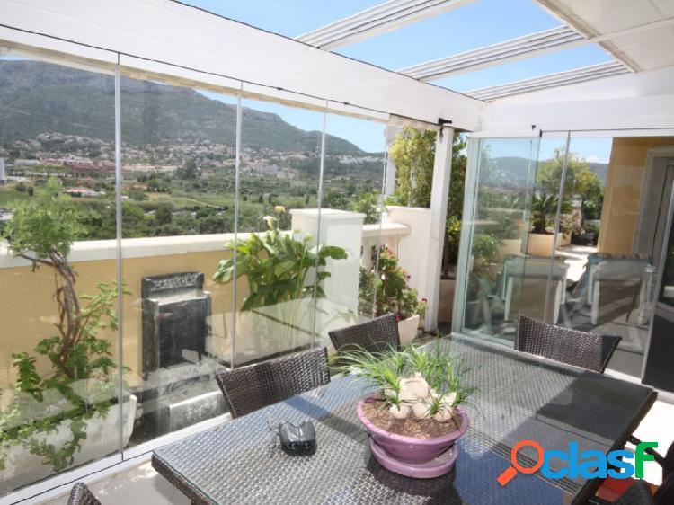 Estupendo ático dúplex con sus maravillosas terrazas y vistas al montgo, cerca del centro de dénia.