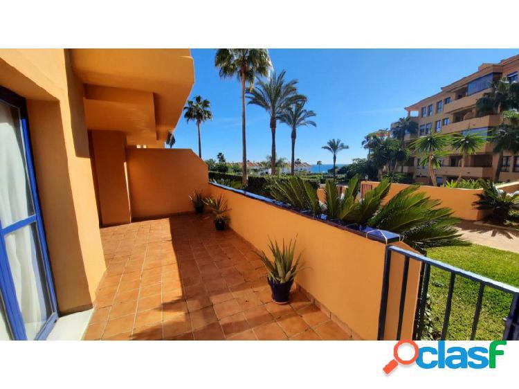 Apartamento en planta baja con vistas al mar al lado de la playa manilva costa