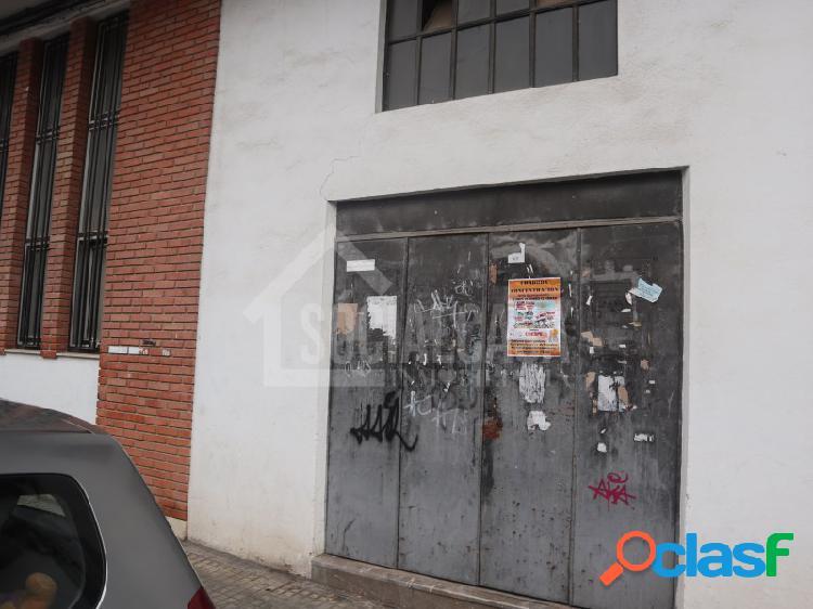 SE VENDE GRAN LOCAL COMERCIAL EN LA CUESTA DE LA POLVORA. 2