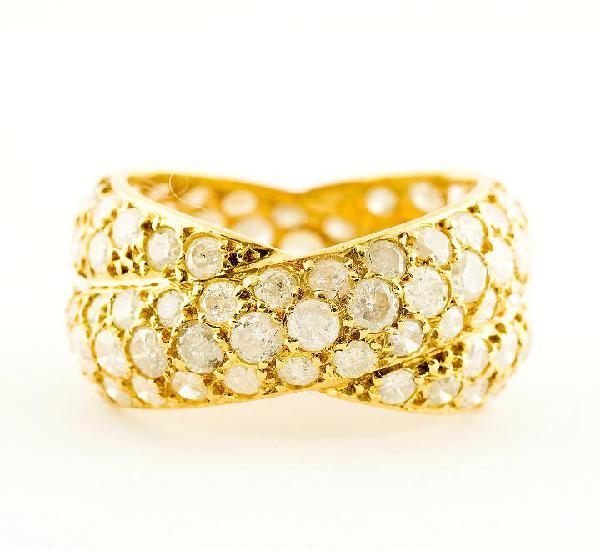 Anillo de oro de 18k. con 116 diamantes naturales talla