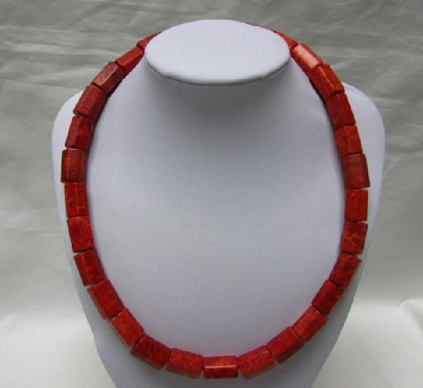 Collar de antiguo coral mediterráneo. 59 cm. peso: 120 gr.