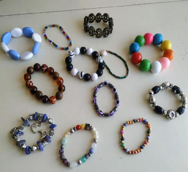 Gran lote 12 pulseras elásticas. abalorios, cuentas, charm,