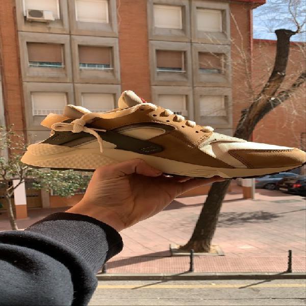 Nike huarache stussy desert oak