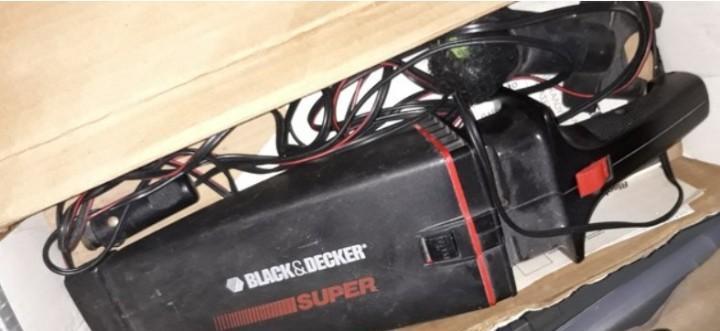 Aspirador de coche black&decker super. con accesorios. en su