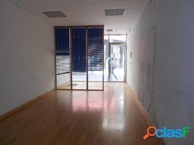 Local comercial junto a santa isabel