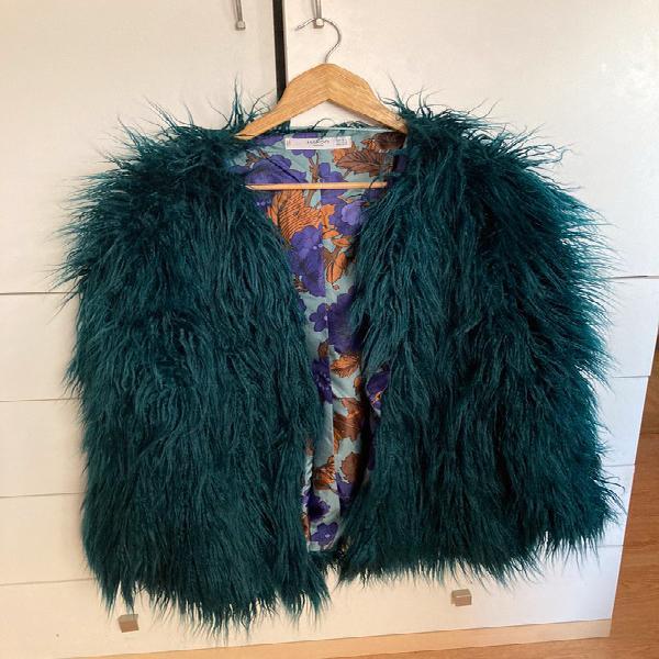 Abrigo corto de pelo de mango color verde marino oscuro