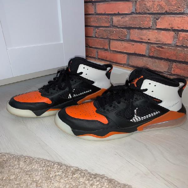 Nike air jordan mars 270