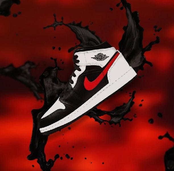 Nike air jordan 1 mid chile red 9.5 us