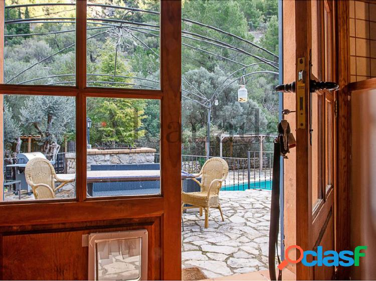Visite esta finca con piscina en Alaró con Inmobiliaria Alcanada 1