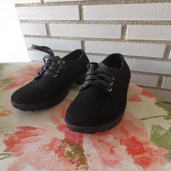 Zapatos negros t35