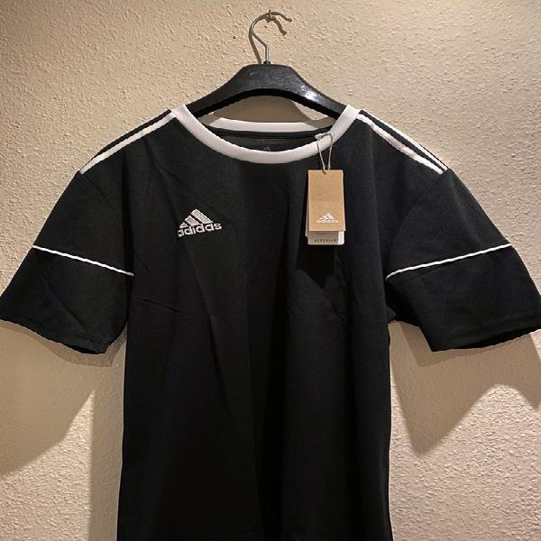 Camiseta adidas nueva negra con etiqueta