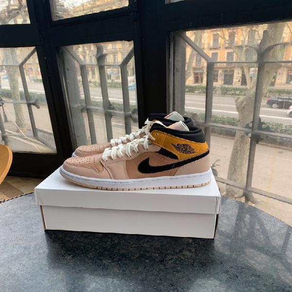 Nike air jordan 1 mid 1 particular beige