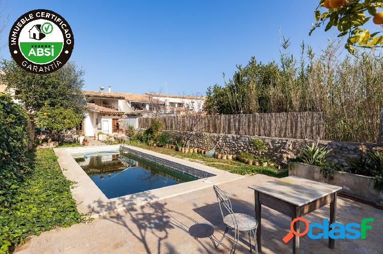 Espectacular y soleada casa de pueblo con piscina, jardín y solarium en binissalem