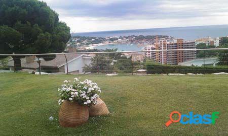 Casa en urbanización les alzines con fantásticas vistas a la bahía de s'agaró. parcela de 1230 m2.
