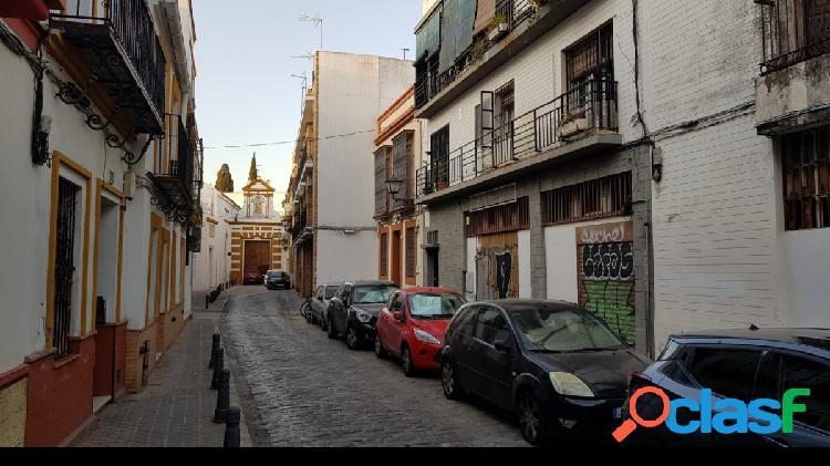 Local comercial de más de 500 m2, ubicado en el centro histórico de sevilla