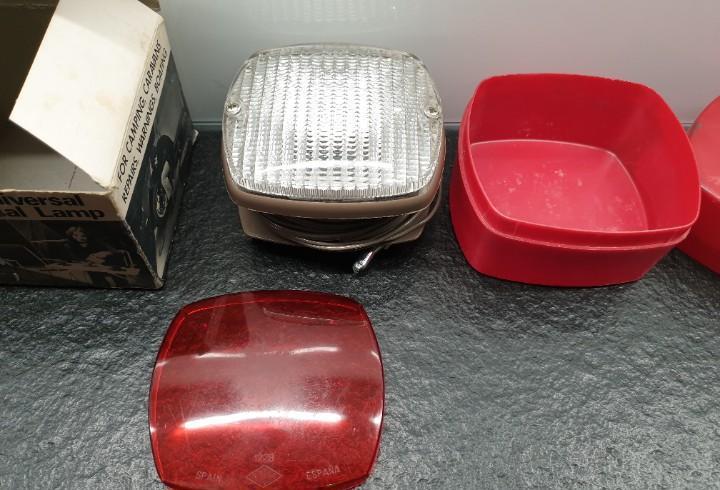 Faro universal rinder para coches. con el filtro rojo y caja