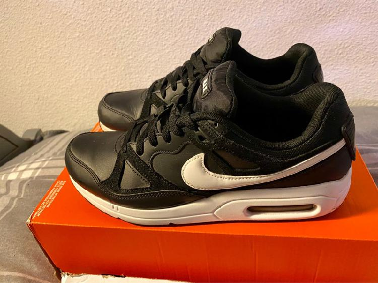 Nike airmax 43 (27.5)