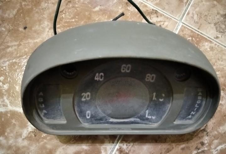 Reloj cuenta kilometros seat 600