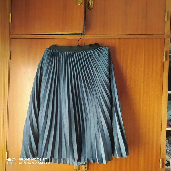 Brand new navy parfois skirt