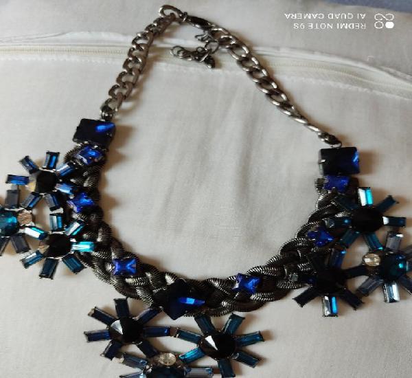 Collar piedras de color azul