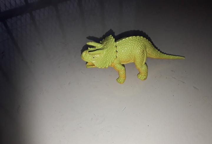 Triceratops pvc dinosaurio plástico