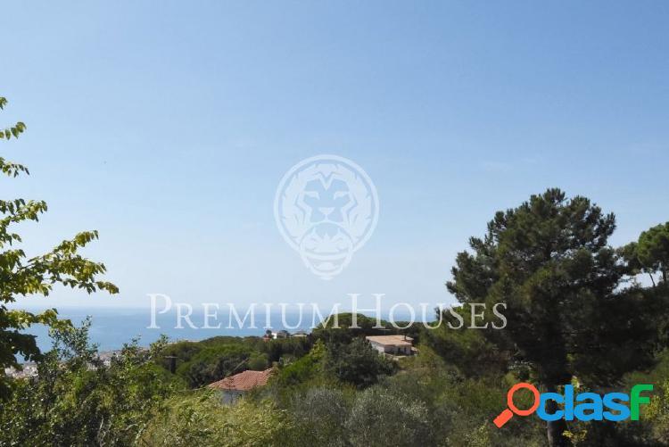 Parcela con vistas al mar en venta en Sant Pol de Mar