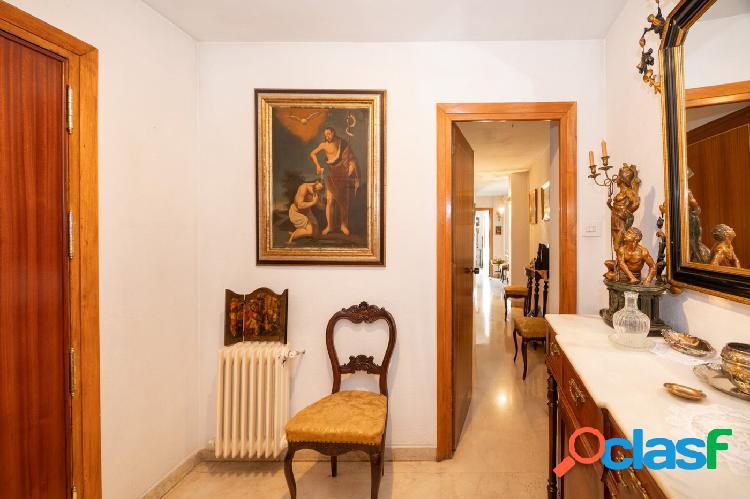 Piso de cinco dormitorios en el centro de Granada. 2